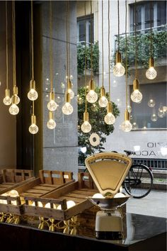 lighting by lee broom crystal bulb pendant Retail Interior, Cafe Interior, Interior And Exterior, Interior Design, Deco Restaurant, Restaurant Design, Cafe Design, Store Design, Pinterest Inspiration