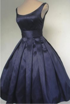 Awesome boatneck-navy dress!