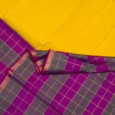 Kanakavalli Handwoven Kanjivaram Silk Sari 070100301 - Sari / Checks - Parisera