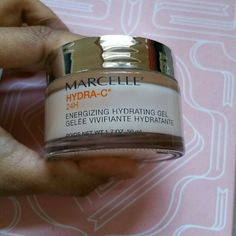 Marcelle Hydra-C 24 hour hydrating Gel Quite a nice full-size gel moisturizer. I have used this very sparingly since I have other pots to finish and I don't want this one to go to waste. Marcelle Makeup