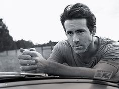 Ryan Reynolds...he's so HOT!!!!
