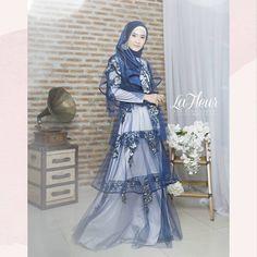 #LaFleurVoll3AyuDyahAndari Fashion Muslimah, Hijab Fashion, Fashion Dresses, Women's Fashion, Hijab Gown, Hijab Outfit, Modest Dresses, Simple Dresses, Moslem Fashion