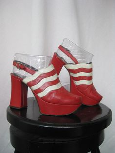 Leather Platforms / Vtg / Size 37 / Red and White Leather Platforms on… Grunge Fashion, 70s Fashion, Fashion Shoes, Vintage Fashion, 70s Shoes, Retro Shoes, Vintage Style Shoes, Vintage Outfits, Boogie Shoes