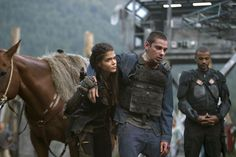 Several new behind-the-scenes photos and details have been released for season four of The 100. What do you think? Are you a fan of the CW series?
