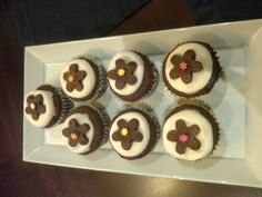 Chocolate expresso cupcakes with chocolate flowers