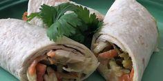 Enkel barnevennlig wrap – Berit Nordstrand Fresh Rolls, Nom Nom, Food Porn, Wraps, Ethnic Recipes, Kos, Board, Coats, Rap