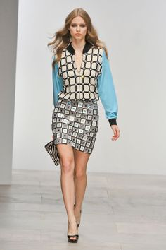 Holly Fulton at London Fashion Week Spring 2012 - StyleBistro