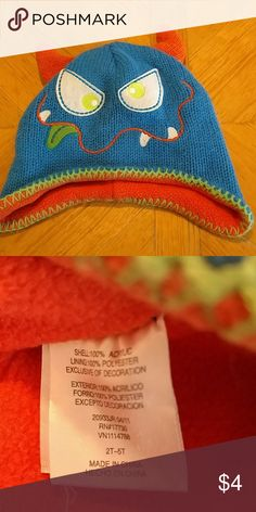 Toboggan hat Toboggan hat. Excellent condition. Fits size 2t to 5t. Smoke free home Accessories Hats