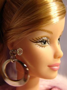 barbies  and jewelry ...9....3...9...3 qw2