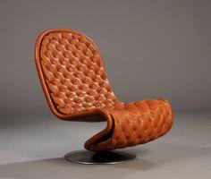 verner  panton Bauhaus, Unusual Furniture, Modern Furniture, Furniture Design, Chair Cushions, Modern Chairs, Loft, Chaise, Panton Chair
