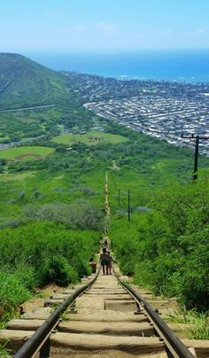 Koko Head stairs, Hawaii: A bucket list hiking trail on Oahu