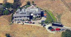 Streit im Haus des Rappers eskalierte - Er soll eine Frau mit einer Waffe bedroht haben: Polizei nimmt Chris Brown fest - http://ift.tt/2bQlxKV