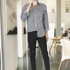 New Clothes Aesthetic Male 24 Ideen - Non-binary fashion - Korean Fashion Men, Fashion Mode, Boy Fashion, Trendy Fashion, Fasion, Fashion Outfits, Mens Fashion 2018, Korean Men, Korean Outfits