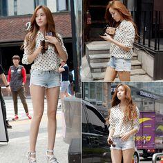 T-ara Hyomin flaunts her legs