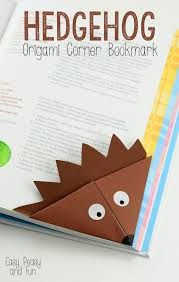 Crafting with paper is such fun and the art of Origami is amazing! Easily learn paper folding crafts step by step. Enjoy trying different Origami crafts! Origami Simple, Easy Origami For Kids, Diy For Kids, Origami For Kids Animals, Origami Design, Origami Art, Oragami, Origami Flowers, Diy Marque Page