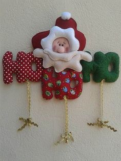 Risultati immagini per hohoho em feltro molde Christmas Sewing, Christmas Love, All Things Christmas, Handmade Christmas, Felt Christmas Decorations, Christmas Wreaths, Christmas Ornaments, Holiday Decor, Christmas Projects