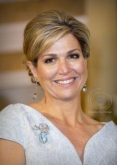 """""""Koningin Máxima reikt Appeltjes van Oranje 2016 uit in Paleis Noordeinde @OranjeFonds grote appel voor De Gaveborg"""""""