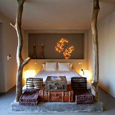 Camas hechas con troncos (o una de nuevas adicciones) · Tree trunk beds (creating new addictions)