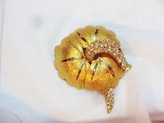 Vintage Brushed Goldtone Rhinestone Flower Pin by by bitzofglitz4u, $20.00