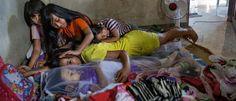 Inocente´s: Famílias na Indonésia mantem corpos de pessoas fal...
