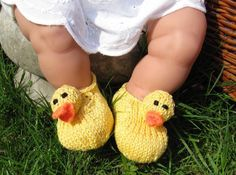 Baby Rubber Duck Shoes knitting pattern -- so cute!!!