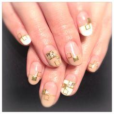 Metallic geometric nails