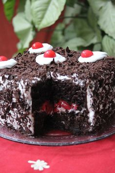 Black Forest Cake- moist chocolate cake, whipped cream and cherries make for an awesome dessert! Eggless too! Impressive Desserts, Fun Desserts, Dessert Recipes, Easy Cake Recipes, Baking Recipes, Chocolate Shavings, Cookies Et Biscuits, Cake Cookies, Christmas Desserts
