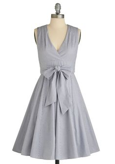 I guess you can wear this a few differnt ways it's called the ever-changing world dress. from modcloth