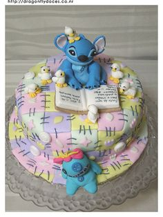 Stitch Cake by Dragonfly Doces, via Flickr 7