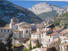 Herault Village de Saint-Guilhem-le-Désert Languedoc proche gîte --sur le chemin de Saint Jacques de Compostelle