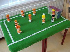 Knutselen: voetbalveld