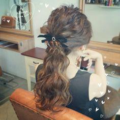 一瞬でかわいくなれる♡お呼ばれヘアにぴったりなポニーテールアレンジ特集♡にて紹介している画像
