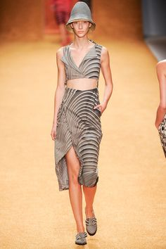 Akris Spring 2014 Ready-to-Wear Collection Slideshow on Style.com