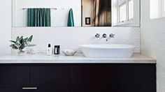5 fuss-free steps to decluttering your bathroom vanity