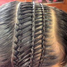 The chic waterfall braid The waterfall braid is both chic and romantic. Prepare your hair first before going to the weaving stage :… Continue Reading → Famous Hairstyles, American Hairstyles, Box Braids Hairstyles, Girl Hairstyles, African Braids, The Chic, Hair Band, Hair Trends, Your Hair