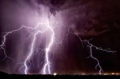 Colours: A massive lightning strike crashes above the city of Casa Grande in Arizona. Many... http://dailym.ai/1f34pgx#i-5bdc0d31