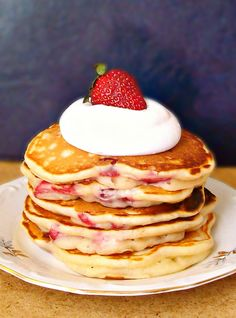strawberry pancakes1