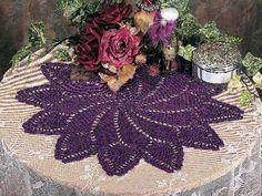 Pineapple Pinwheel Doily in Doilies Forum Doily Rug, Lace Doilies, Crochet Doilies, Crochet Flowers, Thread Crochet, Knit Or Crochet, Learn To Crochet, Pineapple Crochet, Pineapple Pattern