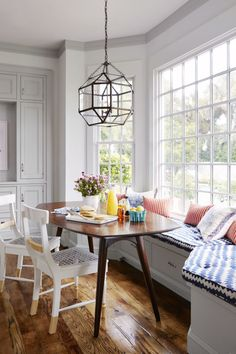 Breakfast Nook - CountryLiving.com