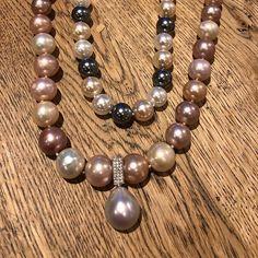 And this is why Leskes pearls are so sought after... #lustre #pearllustre #pearls #leskespearls #broomepearls #southsea #southseapearls #portfairyjeweller  #Regram via @loveleskesjewellers