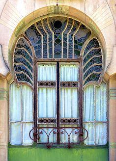 Casa Tosquella  1906  Architect: Eduard María Balcells