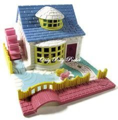 1994 - Polly Pocket Grandma's Cottage - Pollyville - Bluebird Toys    Polly's Watermill Cottage