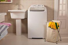 Separamos 10 dicas infalíveis para ajudar você na hora de lavar e passar as roupas. Confira!