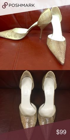 Shop Women's Prada Cream size Heels at a discounted price at Poshmark. great looking! Easy to wear. Snake Skin Shoes, Prada Shoes, Fashion Tips, Fashion Design, Fashion Trends, Sandals, Heels, How To Wear, Accessories
