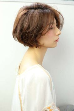 Medium Long Hair, Medium Hair Styles, Curly Hair Styles, Asian Bob Haircut, Bob Haircut For Round Face, Short Hair With Layers, Short Hair Cuts, Short Hairstyles For Women, Hairstyles Haircuts