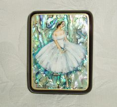 Hand-painted mother of pearl Russian lacquer box - from tanyaHPSrus (via Etsy)
