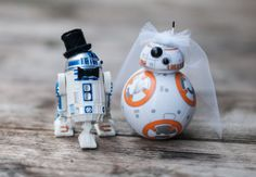 R2-D2 and BB-8 Wedding Cake Topper