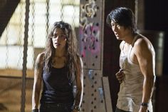 Still of Sung Kang and Sarah Shahi in Bullet to the Head (2012)