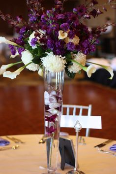 You can either add silver or white pearls, assorted fruit, or different shades of colored gems such as both purple and silver, to match the rest of your decor.