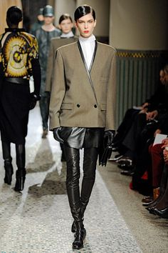 Androgyne jacket mixed with leather
